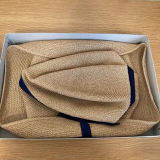 ネストローブ(nest Robe)のmature ha. BOXED HAT (11cm brim) 箱タグ付き(麦わら帽子/ストローハット)