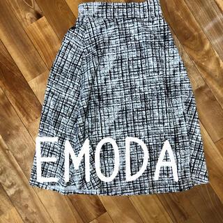 エモダ(EMODA)のEMODA スェード柄膝丈スカート(ひざ丈スカート)