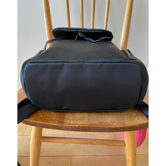 agnes b.(アニエスベー)のアニエス ベー ナイロンxレザー ミニリュック 黒 レディースのバッグ(リュック/バックパック)の商品写真