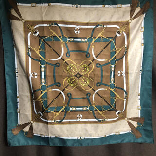 ジーユー(GU)のGUのスカーフ  64.5×64.5cm(バンダナ/スカーフ)