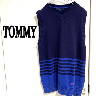 トミー(TOMMY)のTOMMY 刺繍ロゴ ニットベスト ボーダー(ベスト)