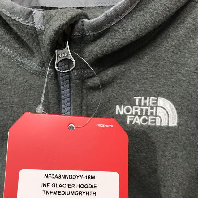 THE NORTH FACE(ザノースフェイス)のSALE【新品】ノースフェイス キッズ フリース フーディ パーカー 24M キッズ/ベビー/マタニティのキッズ服男の子用(90cm~)(ジャケット/上着)の商品写真
