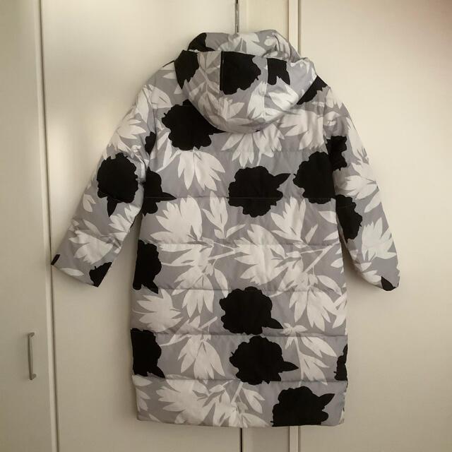 marimekko(マリメッコ)の【未使用】マリメッコ Turvassa Pionipensas ダウンコートXS レディースのジャケット/アウター(ダウンコート)の商品写真
