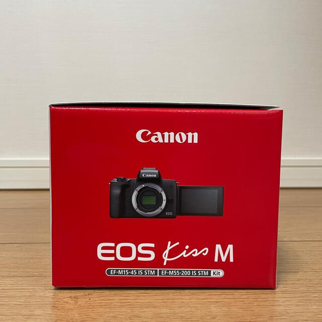 Canon(キヤノン)の新品未使用 canon eos kiss m ダブルズームキット ブラック スマホ/家電/カメラのカメラ(デジタル一眼)の商品写真