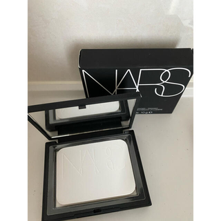 NARS - NARS ライトリフレクティングセッティングパウダー プレスト N  5894