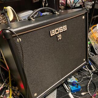ボス(BOSS)のBOSS KATANA-50 ギターアンプ  フットスイッチ付(ギターアンプ)