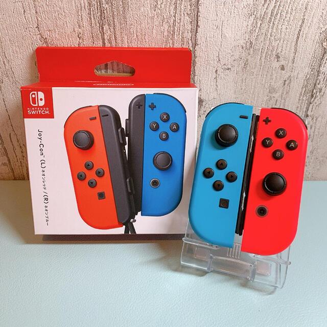 Nintendo Switch(ニンテンドースイッチ)の美品 人気カラー ブルー レッドSwitch 左右セットジョイコンJoy-Con エンタメ/ホビーのゲームソフト/ゲーム機本体(その他)の商品写真