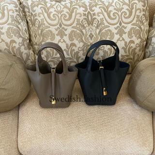 エルメス(Hermes)の新品・ピコタンロックMMブラック×ゴールド金具(ハンドバッグ)