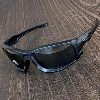 オークリー(Oakley)のSI ショックチューブ マットブラック 偏光 グレー サングラス ミリタリー(その他)