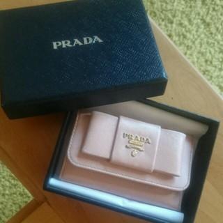 5695a1eea5c0 PRADA - PRADA サフィアーノリボン キーケース ピンクの通販|ラクマ