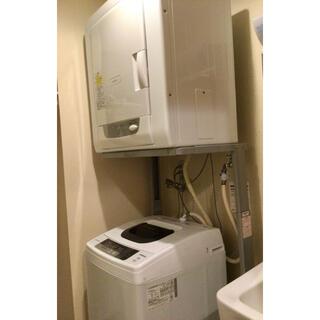 ヒタチ(日立)の日立衣類乾燥機3.5kg &日立洗濯機5kg スタンド付(衣類乾燥機)