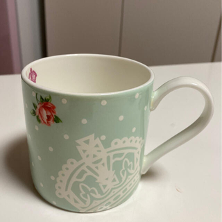 ロイヤルアルバート(ROYAL ALBERT)のロイヤルアルバートマグカップ(食器)