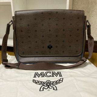 MCM - ☆ソウル限定品☆MCM〈クラシック〉メッセンジャーバック☆ ダークブラウン ☆
