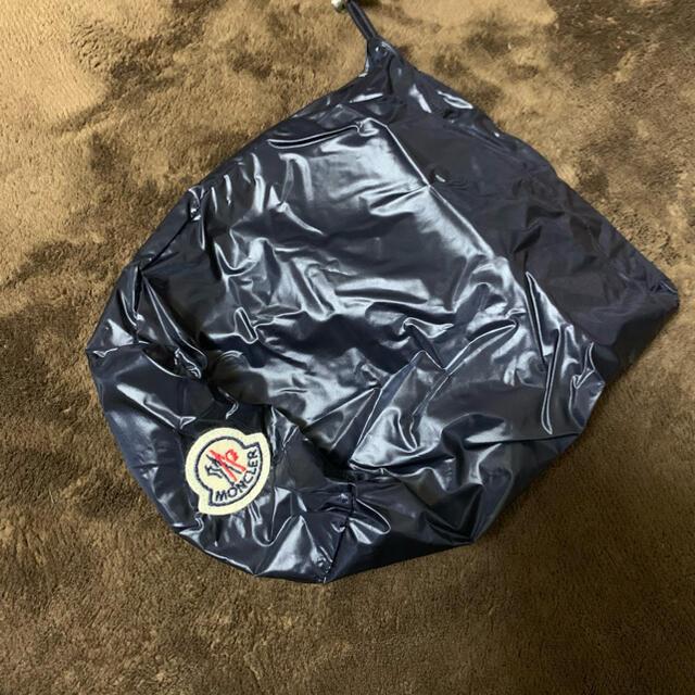 MONCLER(モンクレール)の【未使用】MONCLER モンクレール メンズ ダウンベストネイビー メンズのジャケット/アウター(ダウンジャケット)の商品写真