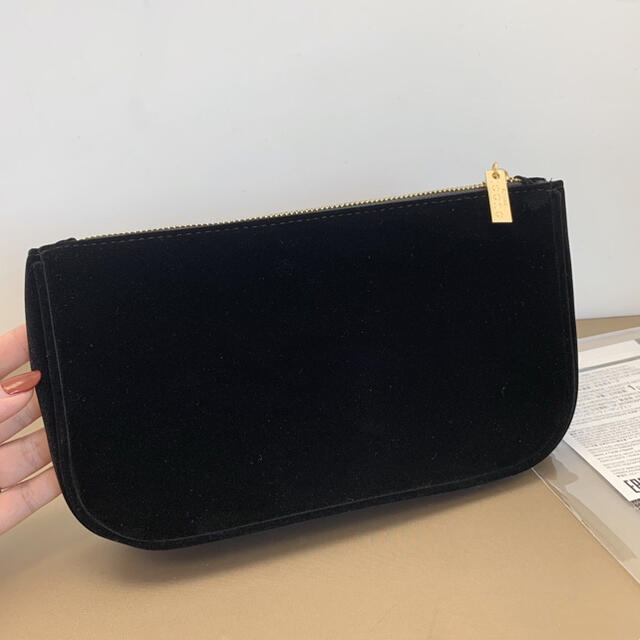Gucci(グッチ)のグッチ 限定 ノベルティ ベロア ポーチ ブラック レディースのファッション小物(ポーチ)の商品写真