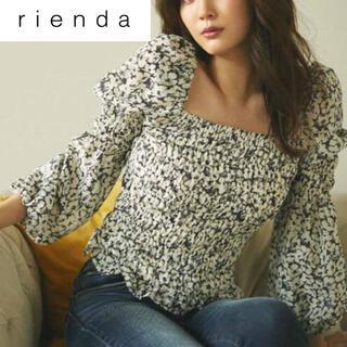 rienda - rienda リエンダ トーンフラワー シャーリングブラウス
