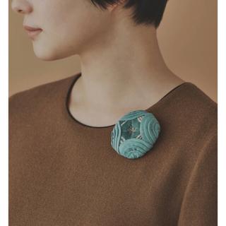mina perhonen - ミナペルホネン🌈コサージュ flower circle グリーン【新品】
