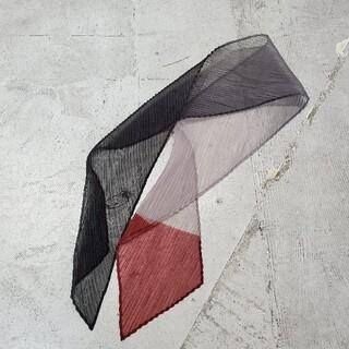 イッセイミヤケ(ISSEY MIYAKE)のISSEY MIYAKE イッセイミヤケ プリーツ スカーフ ハンカチーフ(バンダナ/スカーフ)