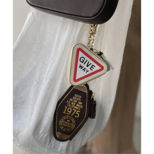 L'Appartement DEUXIEME CLASSE(アパルトモンドゥーズィエムクラス)のグッドグリーフ medicine Key ring レディースのファッション小物(キーホルダー)の商品写真