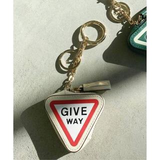 アパルトモンドゥーズィエムクラス(L'Appartement DEUXIEME CLASSE)のグッドグリーフ medicine Key ring(キーホルダー)