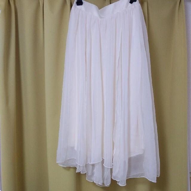 NICE CLAUP(ナイスクラップ)のチュールスカート/新品未使用タグ付き/NICE CLAUP/白 レディースのスカート(ロングスカート)の商品写真