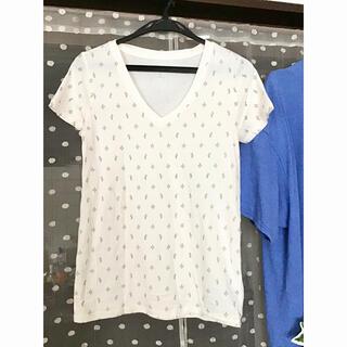 ギャップ(GAP)の【新品同様】Tシャツ GAP サボテン柄 薄手 Vネック(Tシャツ(半袖/袖なし))