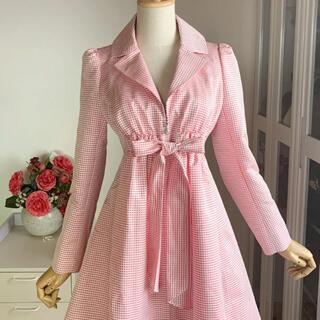 ルネ(René)の美品 ルネ チェック柄 スプリングコート バルーン裾フレアデザイン(スプリングコート)