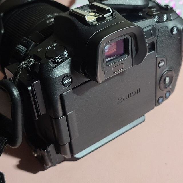 Canon(キヤノン)のCanon EOS R + レンズ二本付 スマホ/家電/カメラのカメラ(ミラーレス一眼)の商品写真
