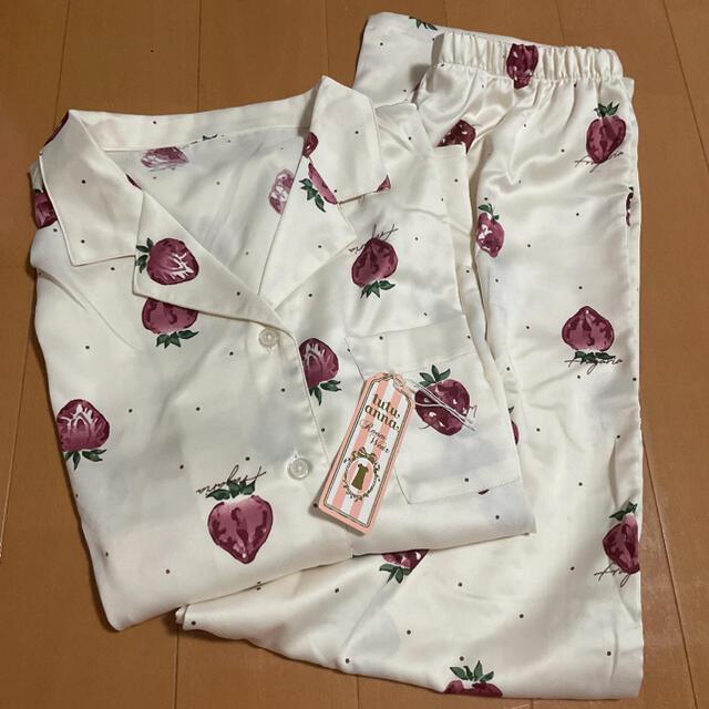 tutuanna(チュチュアンナ)のルームウェア いちご柄 セット レディースのルームウェア/パジャマ(ルームウェア)の商品写真