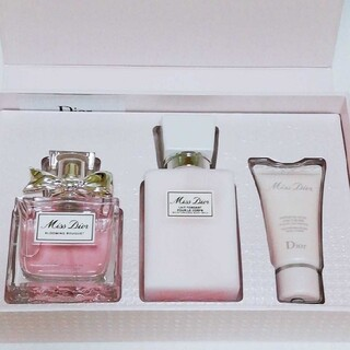 Christian Dior - 新品 数量限定品 ミスディオール ライフスタイルコフレ★ブルーミングブーケ 香水