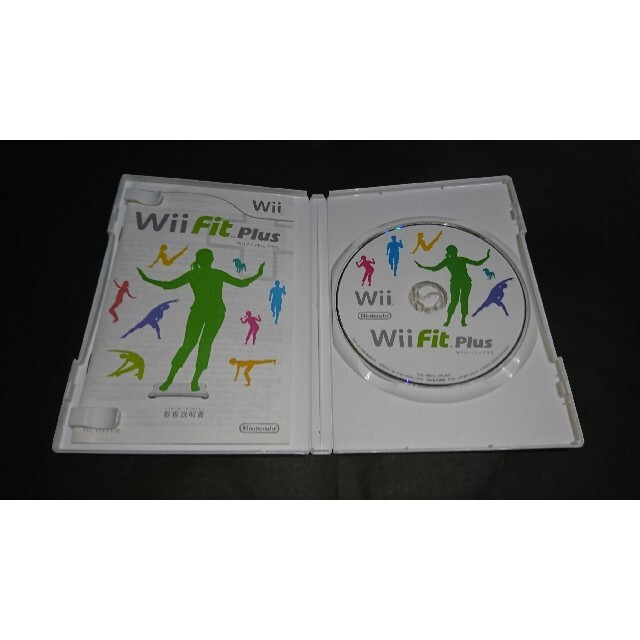 Wii(ウィー)のWii Fit Plus (Wiiフィット プラス) エンタメ/ホビーのゲームソフト/ゲーム機本体(家庭用ゲームソフト)の商品写真