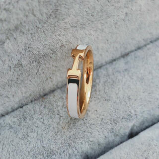ステンレスリング ステンレス指輪  ピンキーリング イニシャルリング ホワイト(リング(指輪))