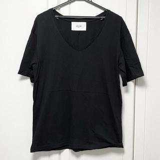 GYDA - DEYAR  Vネック Tシャツ ブラック