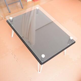 ル コルビジェ風 ガラステーブル 机 デスク リゾート折りたたみディスプレイテ(折たたみテーブル)