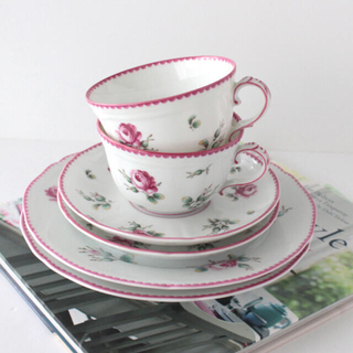 リチャードジノリ(Richard Ginori)のリチャードジノリ アンティックローズ ペアトリオ ティーカップ&ソーサーケーキ皿(食器)