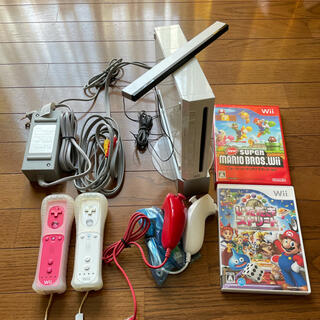 Wii - Wii リモコン2個ヌンチャク2個ソフト2個付き