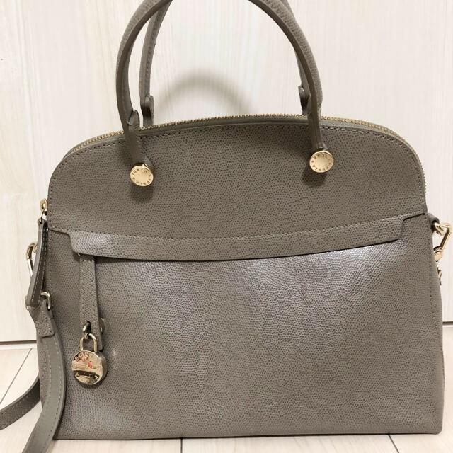 Furla(フルラ)のフルラ パイパー グレージュ レディースのバッグ(ハンドバッグ)の商品写真