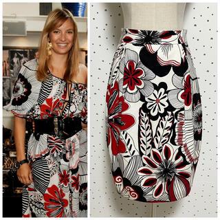ドルチェアンドガッバーナ(DOLCE&GABBANA)の本物 ドルチェ&ガッバーナ 花柄 フラワーデザイン スカート 40 ドルガバ(ひざ丈スカート)