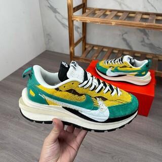 NIKE - Nike Ldwaffle / Sacai ワープ3世