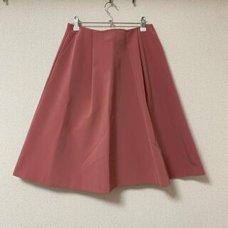 エムプルミエ(M-premier)のエムプルミエ ピンクのスカート(ひざ丈スカート)
