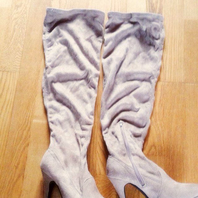 GRL(グレイル)のニーハイブーツ(ベージュ) レディースの靴/シューズ(ブーツ)の商品写真