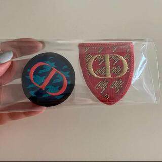 ディオール(Dior)のDior ピンバッジ 2個(バッジ/ピンバッジ)