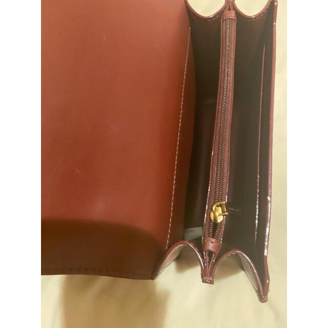 Charles and Keith(チャールズアンドキース)のCHARLES&KEITH クロスボディバッグ ボルドー Mサイズ レディースのバッグ(ショルダーバッグ)の商品写真