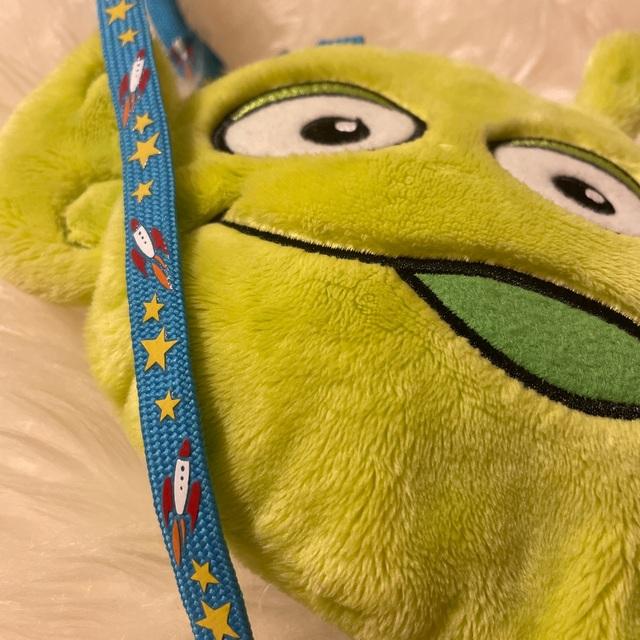Disney(ディズニー)のディズニー リトルグリーンメン パスケース エンタメ/ホビーのおもちゃ/ぬいぐるみ(キャラクターグッズ)の商品写真