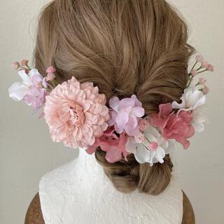 :マリーゴールドとあじさいのヘッドドレス︰成人式 髪飾り 花 和装 紐 金 結婚