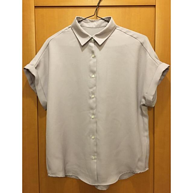 GU(ジーユー)のGU 半袖ブラウス レディースのトップス(シャツ/ブラウス(半袖/袖なし))の商品写真