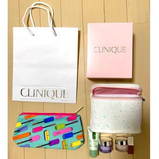 クリニーク(CLINIQUE)の【新品・紙袋付】CLINIQUE ファンデーション ホリデーセット ポーチ付(サンプル/トライアルキット)