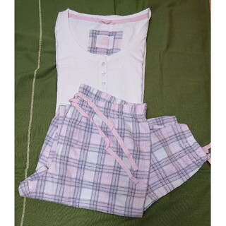 H&M - ★春支度セール⭐H&M ホワイト×ピンク チェック柄パジャマ 未使用新品