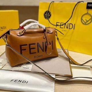 FENDI - 早い者勝ち FENDI  トートバッグ