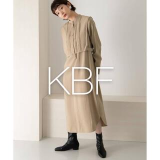ケービーエフ(KBF)の✱美品✱ KBF ピンタックレイヤードワンピース(ロングワンピース/マキシワンピース)